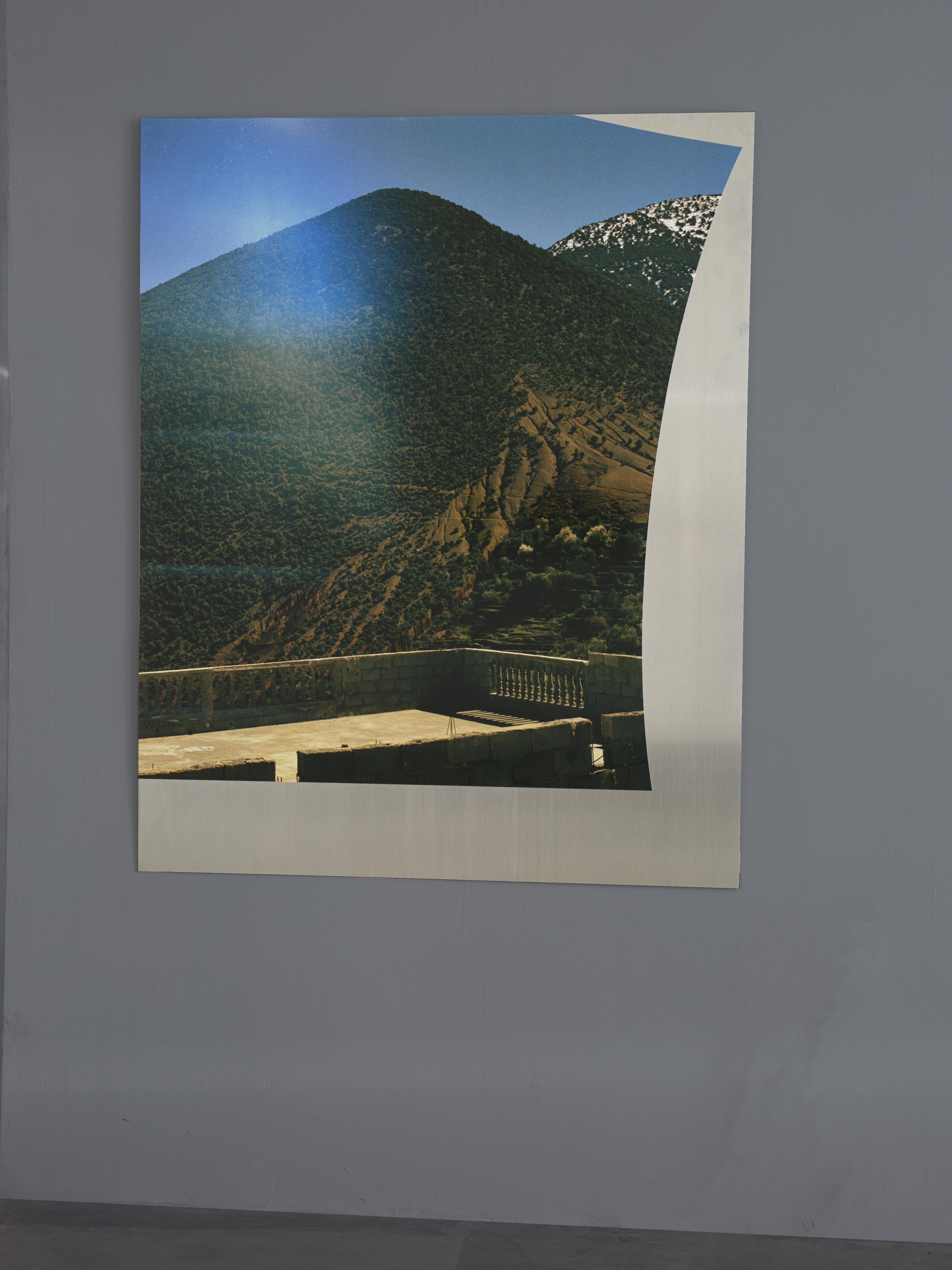 Josephine-Callaghan_Bonjour! Bonjour! Bonjour! Bonjour! Bonjour! Bonjour! Bonjour! Bonjour! C-type print, sheet aluminium, 970 x 1200
