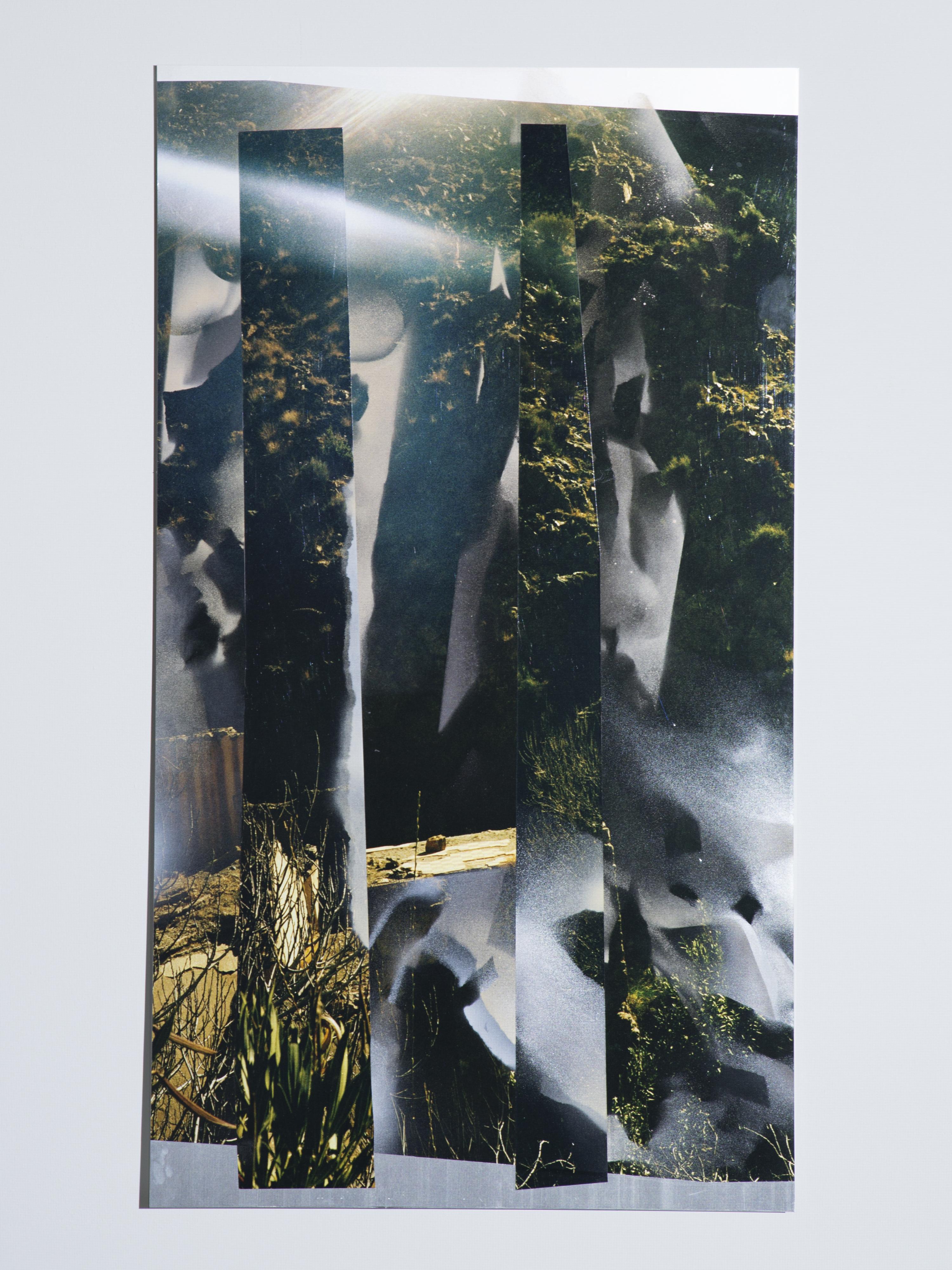 Josephine-Callaghan_Une-Tache-de-Naissance-I, C-type print,sheet aluminium, spray paint, white light, 790 x 1340