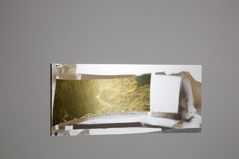Josephine-Callaghan_Une-Tache-de-Naissance-II, C-type print,sheet aluminium, spray paint, white light, 865 x 384
